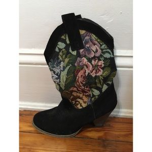 VERY VOLATILE FLORAL COWGIRL BOOTS